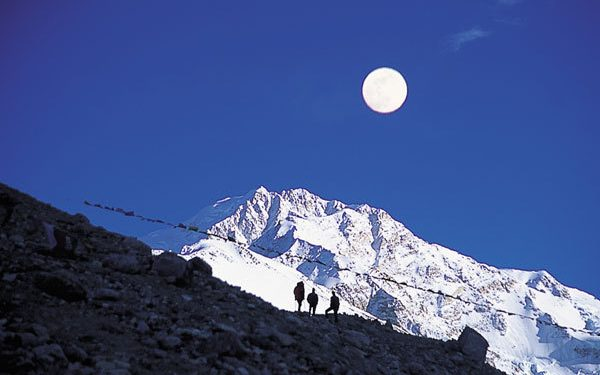 Luna llena en el Shisha Pangma Foto: Fernando Rivero Díaz (Arenas de San Pedro)...  (desnivel)