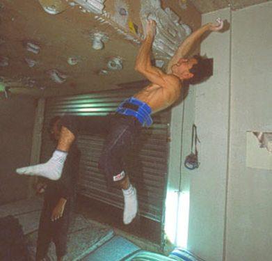 Ramonet apretando todo lo que puede durante una sesión de fuerza pura con lastre. Foto: archivo... (desnivel)