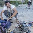 Jorge Palacio Palas organizando su material de escalada. desnivelpress.com... (desnivel)
