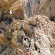 Varias cordadas en plena acción.Foto: Rally 12 horas de escalada Peñón de Ifach...  (desnivel)