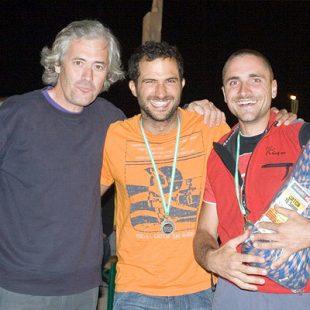 Javier Martín y Javier Palomares junto a Jose Luis Rubayo.Foto: Rally 12 horas de escalada P...  (desnivel)
