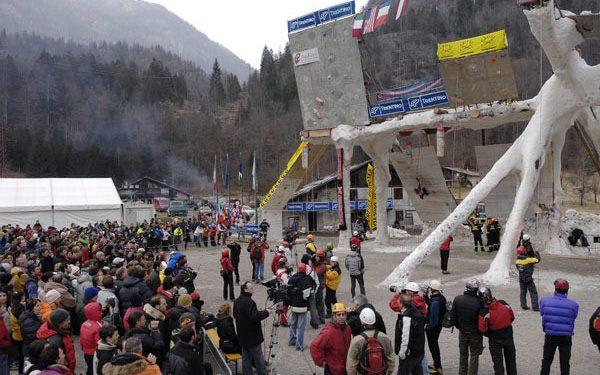 Concentración de público en el campeonato celebrado en Val Daone. (Giulio Malfer)
