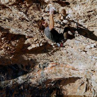 Chris Sharma en Neanderthal 9b. Foto: Pete O'Donovan...  (desnivel)