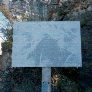 Vandalismo en Patones. Borran los carteles del Pontón de la Oliva  ()
