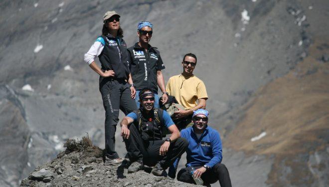 Parte del equipo de Edurne Pasaban  (RTVE-Al filo de lo imposible)