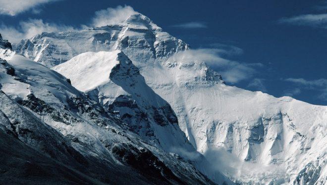 El Everest por su vertiente norte (Tibet).  (© Jerónimo López)