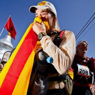 Emma Roca en el Marathon des Sables 2011  (Cymbali/ PER MDS 2011)
