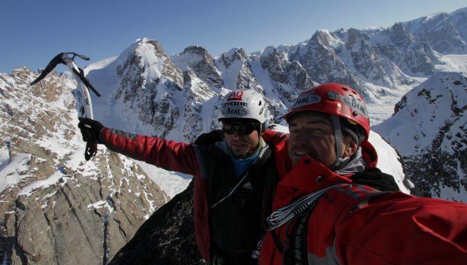 Alexander Ruchkin y Mikhail Mikhailov durante la apertura de San Petersburgo (1.210 m