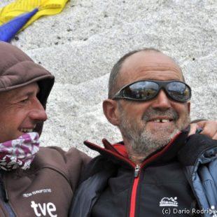 Campo base del Everest 2011. Ferrán Latorre y Juanito Oiarzabal.  (©Darío Rodríguez/DESNIVEL)