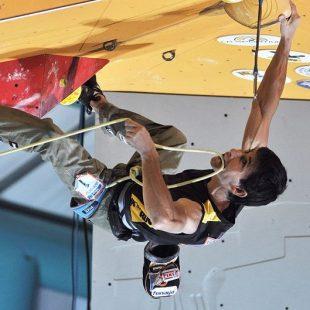 Ramón Julián en pleno pegue de la final del Campeonato del Mundo de Escalada. Arco 2011.  (Arco)