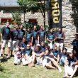 Foto de familia de varios de los alpinistas de diferentes países que