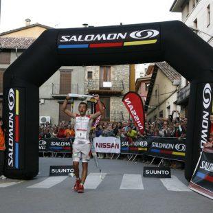Miguel Heras cruza la meta tras ganar por segunda vez Cavalls del Vent. 2011. (Org.)