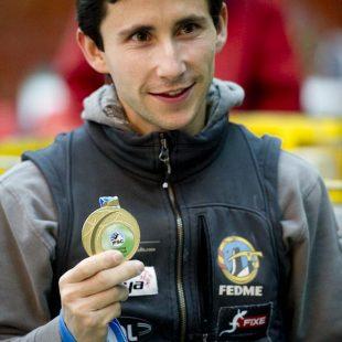 """IFSC Climbing Worldcup 2011.Ramón Julián """"Ramonet"""" ganador  Copa Mundo Escalada Barcelona 2011.  (©Darío Rodríguez/Desnivel.com)"""
