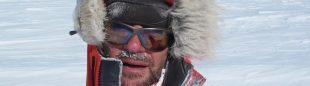 En el rostro de Juan Vallejo se aprecia el intenso frío reinante.  ((c) Iñurrategui