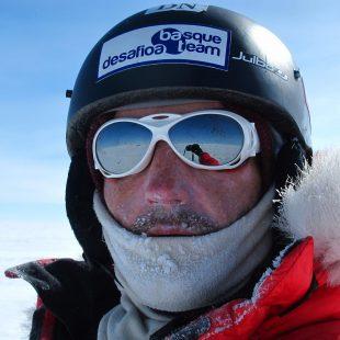 Mikel Zabalza A 400 kilómetros del Polo Sur  (NATURGAS /BBK TRANSANTARTIKA 2011)