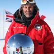 Ramón Larramendi a su llegada al Polo Sur en la Acciona Antártica 90  (Acciona Antártica 90)