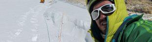 Álex Txikon en la expedición invernal al Laila Peak 2013  ()