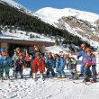 Grupo de niños en una clase de esquí en la estación de Núria. (Estación de Núria)