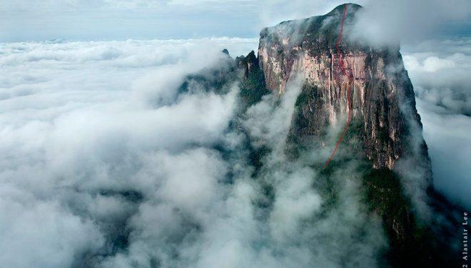 Línea de The Yopo Wall al tepuy Cerro Autana