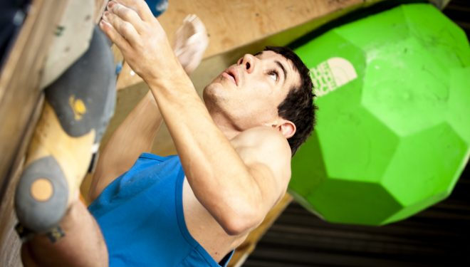 Alex Honnold en el V The North Face Master Boulder de Chile  (The North Face)