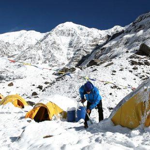 Carlos Soria en el campo base del Annapurna  (Carlos Soria - BBVA)