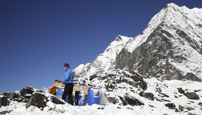 Carlos Soria en el campo base del Annapurna (Carlos Soria BBVA)