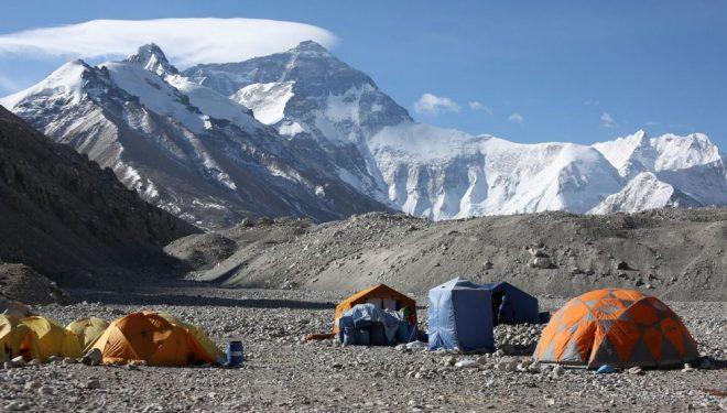 El campo base chino de la expedición de Ferran Latorre y Nacho Orviz al Everest  (Ferran Latorre)