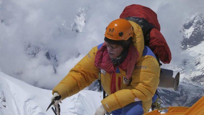 Oscar Cadiach Oscar en el Annapurna a 6300 metros en el punto donde algunos instalan el campo 3.  (Rosa Fernández)
