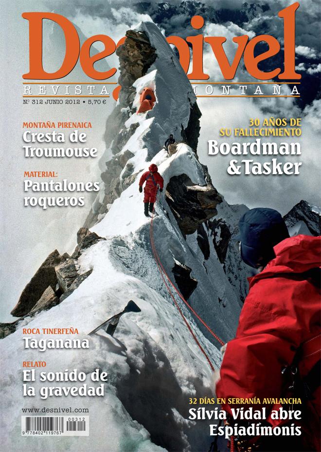 Portada de la revista Desnivel nº312 (junio 2012) en ALTA  ()