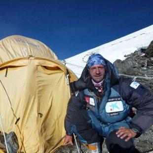 Ferran Latorre en C2 de la cara norte del Everest  (Col. F. Latorre)