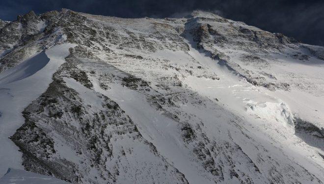 Cara norte del Everest 2012  (Ferran Latorre)
