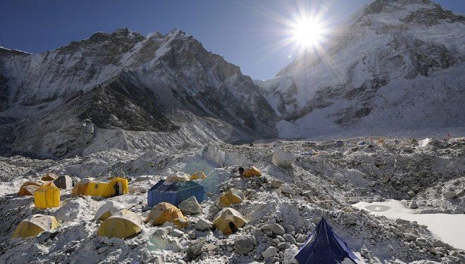 Campo base del Everest-Lhotse-Nupste  (Ralf Djumovits)