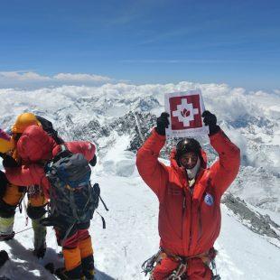 Mariano Galván en la cima del Everest el 19 de mayo de 2012  (Mariano Galván)