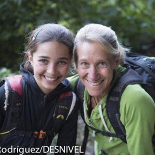 Brooke Raboutou (11 años) con su madre Robyn Erbesfield-Raboutou (49 años) en Rodellar. Julio 2012 ()