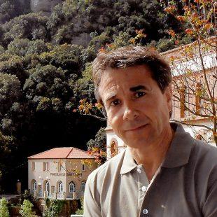Lluís Baciero frente al Funicular de Montserrat.  (Colección lluís Baciero)