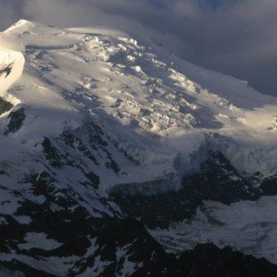 La arista de Goûter es la parte final de ruta normal del Mont Blanc y la más frecuentada.  (Darío Rodríguez/Desnivelpress.com)