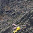 Evacuación de Carlos Suárez en helicóptero tras accidentarse practicando un Salto Base desde la Aguja Negra de los Galayos  (©DanielCastillo)