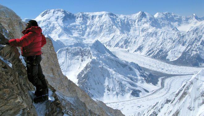Ramón Portilla escalando en el Kang Tengri  ()