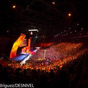 Palacio Deportes Paris Bercy donde se celebró Campeonato Mundo Escalada 2012. ¡8.000 espectadores siguieron las finales!  ()