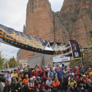 Las 33 cordadas preparadas en la salida del Rally 12 horas Tech Rock de Riglos 2012.  (Peña Guara)