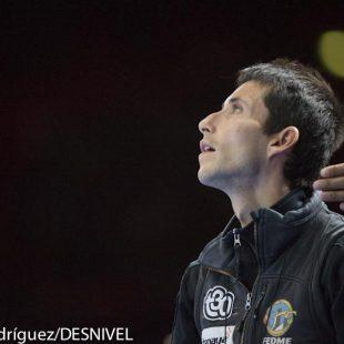 Ramón Julián Ramonet visualizando la vía de la final Campeonato Mundo Escalada 2012 Paris. Quedó cuarto.  (Darío Rodríguez / Desnivel)