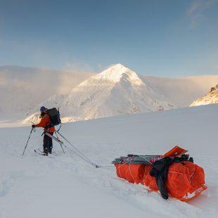 Partida de Lonnie Dupre hacia el Denali a principios de enero de 2013  (Dmitri von Klein/Monovita)