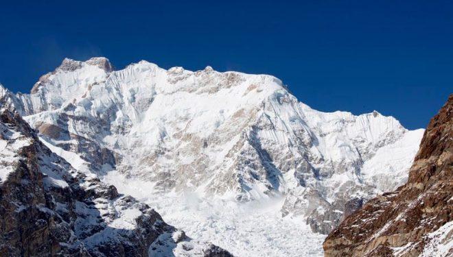 Imponente imagen de la montaña durante la expedición invernal al Laila Peak  (Col. S. Álvaro)