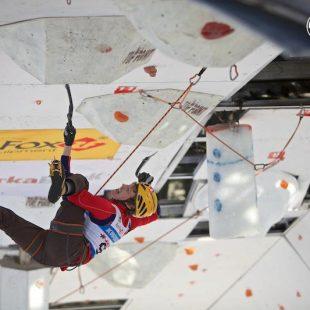 Maxim Tomilov en la Copa del Mundo de Escalada en Hielo de Kirov (Rusia)  (Lukasz Warzecha/UIAA)