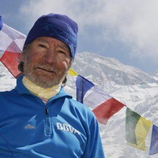 Carlos Soria en el campo base del Kangchenjunga 2013  (Expedición BBVA Kangchenjunga)