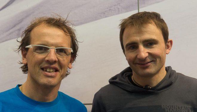 Simone Moro y Ueli Steck en la Ispo 2013.  ()