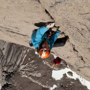 Thomas Huber en la Bavarian direct a la Torre Sur del Mt. Asgard (Baffin)  (Adidas Outdoor)
