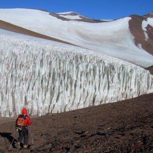 Glaciar Oeste del Pissis y Tres Picos (6.037 m)  (Pablo Lukach)