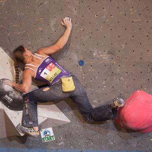 Anna Stöhr en la Copa del Mundo de Búlder 2013 de Millau (Francia)  (Austria Climbing Federation/Heiko Wilhelm)