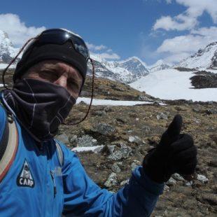 Denis Urubko durante la aclimatación previa al Everest 2013  (Col. D. Urubko)
